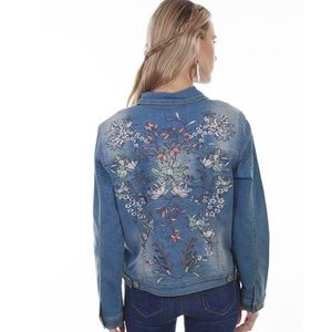 👢NWT, PRETTIEST EMBROIDERED JEAN JACKET EVER👢